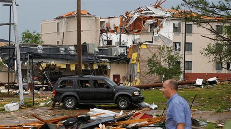 Large tornadoes sweep across Mississippi causing deaths