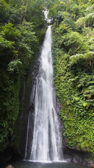 The Pulang Tubig Waterfall in the Philippines - Travel