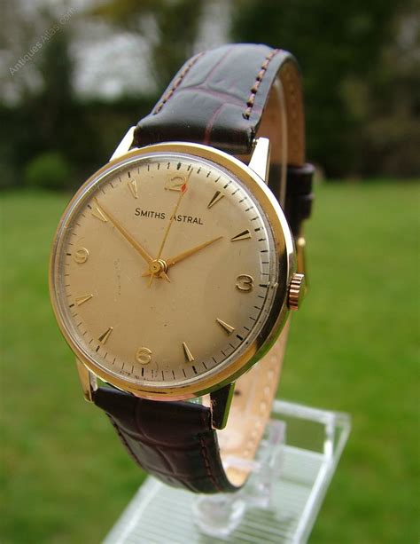 Antiques Atlas - A Gents 1970 9ct Gold Smiths Astral Wrist