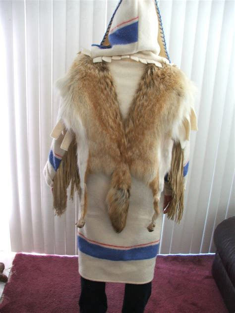 AMAZING CAPOTES HANDMADE COAT FROM COYOTE FUR & WOOL