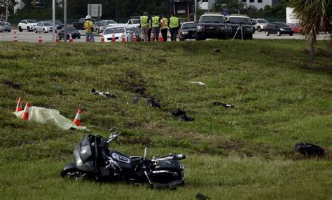Motorcyclist drove off the road in fatal crash on I-95