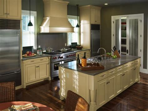 1940s Kitchen Decor: Pictures, Ideas & Tips From HGTV   HGTV
