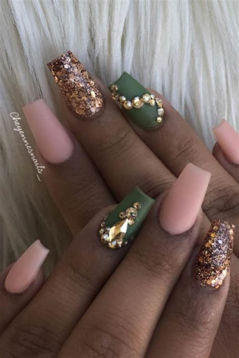 23 Olive Green Nails That Are Perfect for Fall   Page 2 of