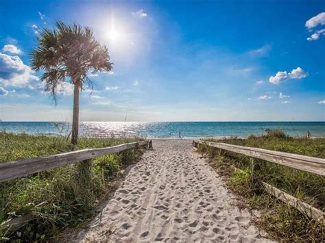 Gulf/27th Ave Beach Access🏖️ Only 61 👣Steps to the Sand