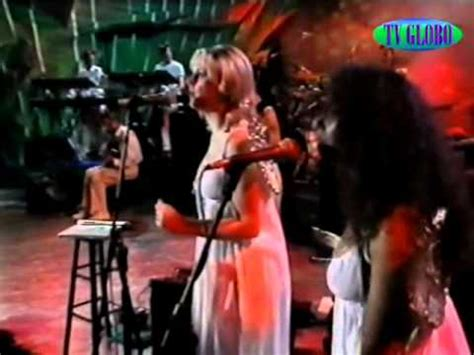 Annie Lennox Don't Let It Bring You Down - YouTube