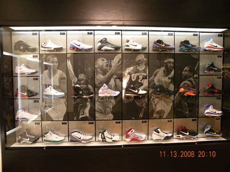 Inside House of Hoops Chicago | SneakerFiles