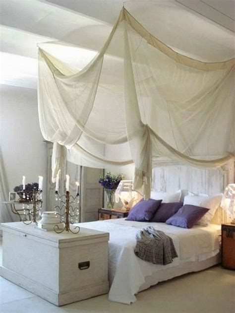 21 Awesome Canopy Beds - MessageNote